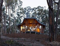 The Trunk House - Victoria, Australia by Paul Morgan Architects