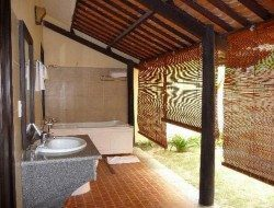 Outdoor Design for Toilet and Bathroom Ideas