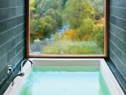 How's this for an amazing bath tub? Deep, luxurious and with a view to die for, I would never want to get out. How about you?