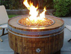 A lovely fire pit for an evening with friends?