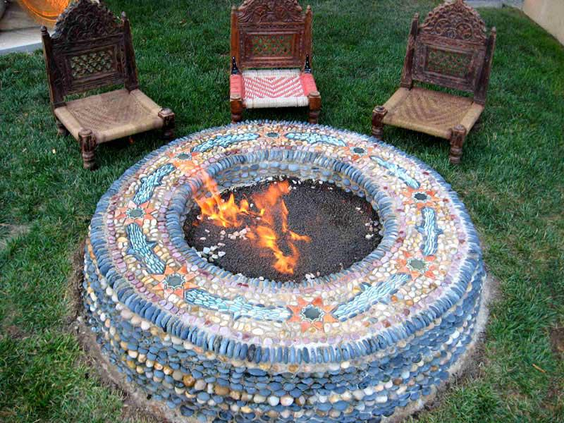 Nobody ever said firepits can't be functional and beautiful!
