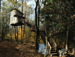 Treehouse in Swanzey, New Hampshire