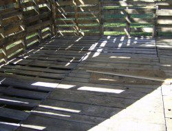 How To Build A DIY Pallet Shed -  Floor pallets