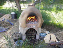 DIY Cob Oven - Firing for pizza
