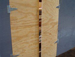 DIY Pallet Chicken Coop - Nesting Door
