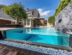 Glass Swimming Pool - architecturelands