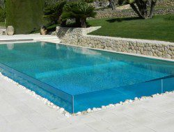 Glass Pool - Francis Design