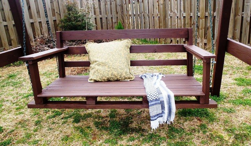 Learn How To Build Swing Seat For Your Backyard