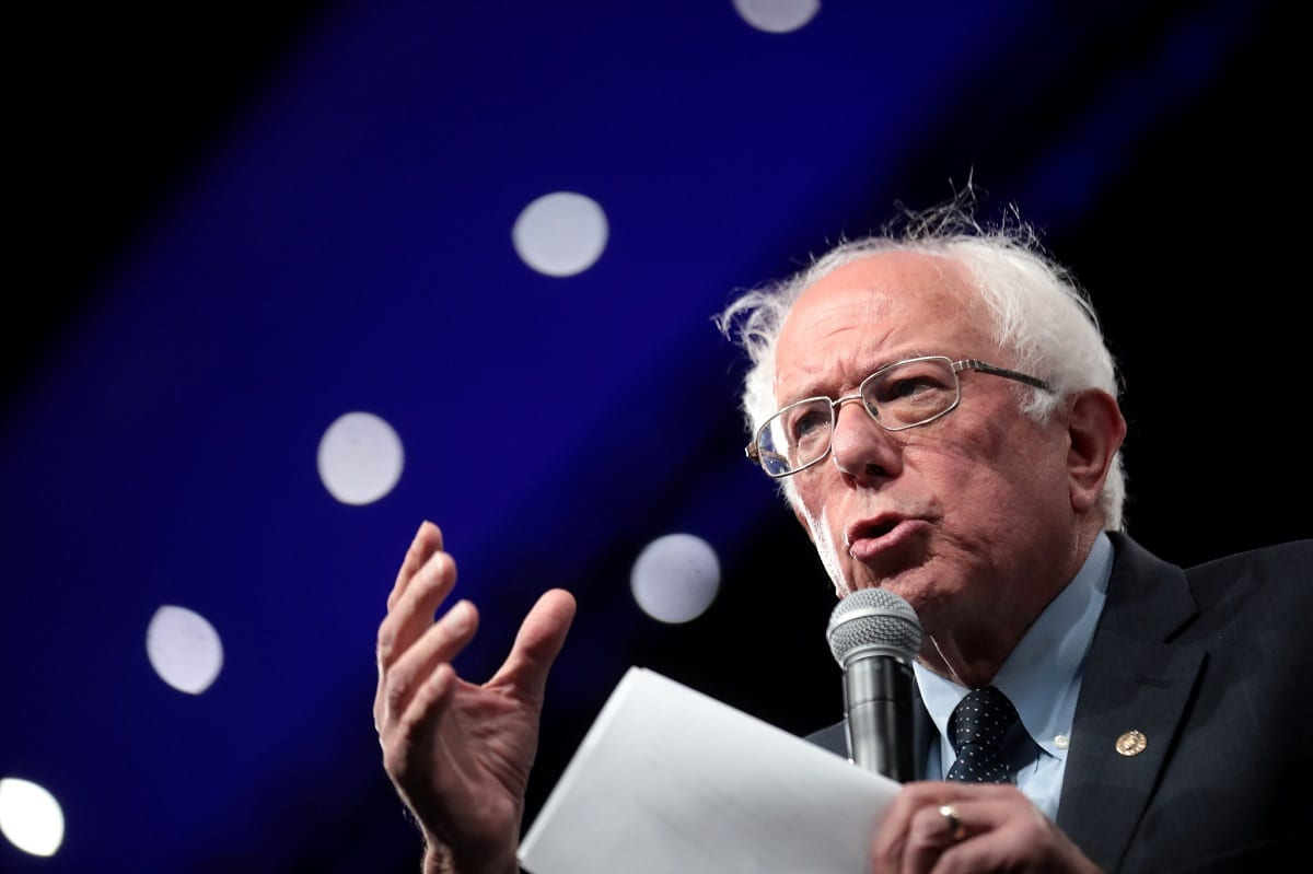 Top Climate Scientists Back Bernie Sanders' Green New Deal